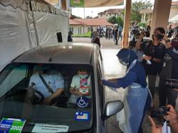 Drive-through for vaccine jabs begins at USM