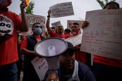 Uber, Lyft drivers strike to win labour rights for US gig workers