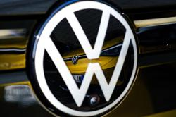 VW to take on Tesla and Google with new software division