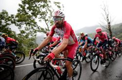 Olympics-German cyclist Geschke tests positive for COVID-19, out of road race