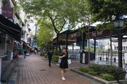 Singapore restaurant owners vent frustration as dine-in shutters