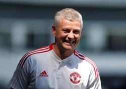 Soccer-Solskjaer signs new Manchester United deal until 2024