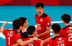Olympics-Volleyball-Japan dominate Venezuela, Italy claim comeback win v Canada