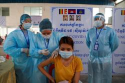 Cambodian PM reschedules Covid-19 vaccine rollout for adolescents to Aug 1