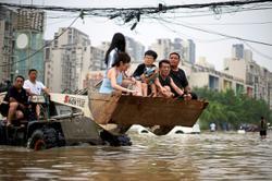 Heavy rain soaks Henan