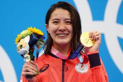 Olympics-Swimming-Japan's Ohashi ends winning streak of Hungary's 'Iron Lady' with medley gold