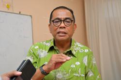 Khaled Nordin urges all parties to find middle ground on contract doctors strike issue