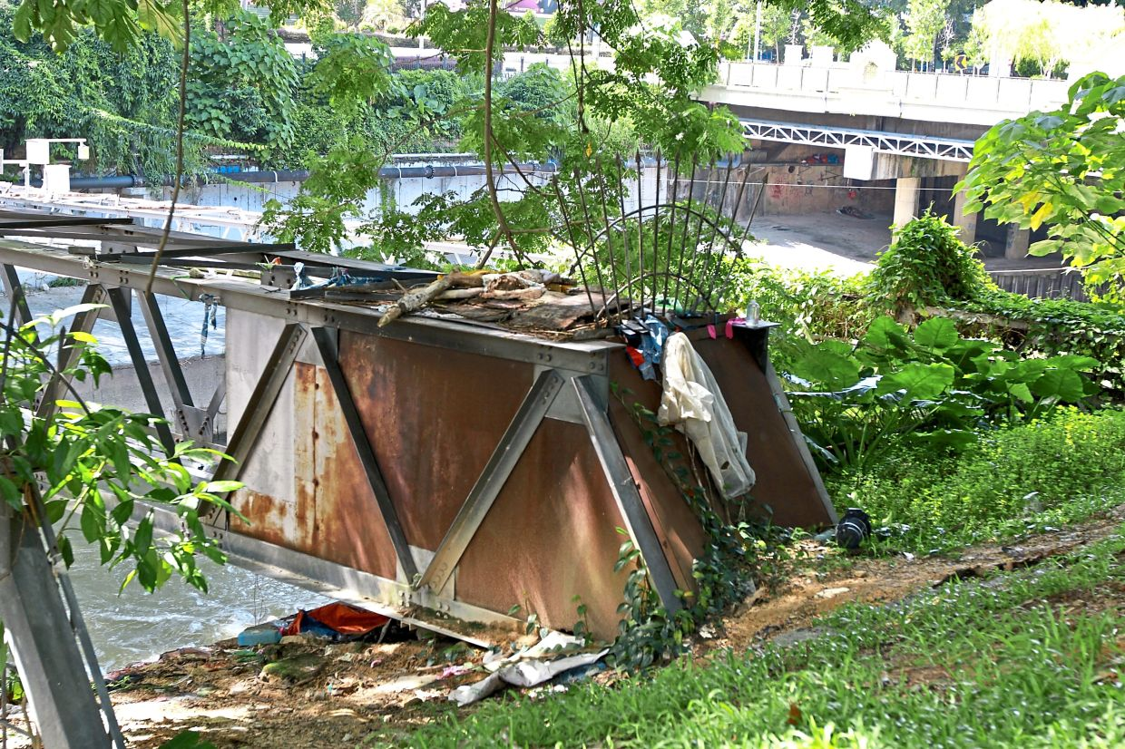 This new structure near a riverbank in Brickfields was most likely built by a homeless person.