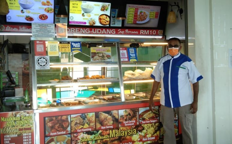 Chandran Vythialingam can barely sell 20 plates of nasi kandar in a day now.
