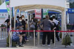 S.Korea starts vaccination for 55-59 age group as Covid-19 caseloads remain high