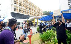 Cops investigating protest by contract doctors at HKL for alleged illegal gathering