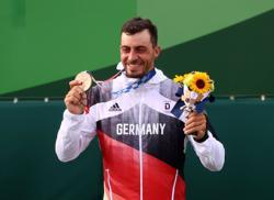 Olympics-Canoeing-Slovenia's Savsek wins canoe slalom gold