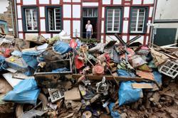 Much power restored in western Germany after floods, 5,800 still cut off