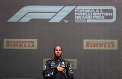 Motor racing-Hamilton pledges 20 million pounds to new Mission 44 foundation