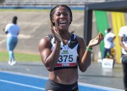 Olympics-Athletics-Fraser-Pryce on brink of amazing 100m hat-trick