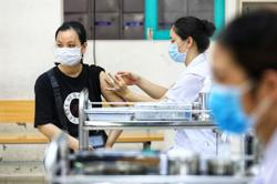 Hanoi begins mass Covid-19 vaccination, aiming to cover 5.1 million residents by April