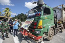 Sarawak delivers oxygen for Covid-19 patients in Indonesia's West Kalimantan