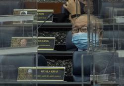 Ku Li gets his 'Independent' seating preference