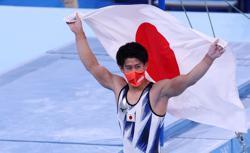 Olympics-Gymnastics-'Heir is born': Japan hails new young champion