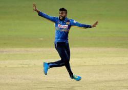 Cricket-Birthday boy Hasaranga steers Sri Lanka to T20 series win over India