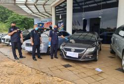 Car theft syndicate targeting vehicles left by foreigners at condos busted, six arrested