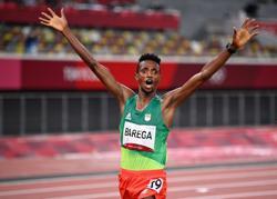 Olympics-Athletics-Ethiopian Barega upsets Cheptegei to win shock 10,000m gold