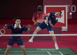 Golden dream shattered as shuttlers Aaron-Wooi Yik lose in semi-finals