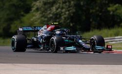 Motor racing - Bottas pips Hamilton in Hungarian GP practice