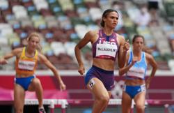 Olympics-Athletics-Americans McLaughlin, Muhammad ease ahead in 400m hurdles