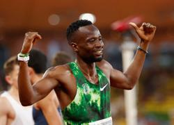 Olympics-Athletics-Contenders for men's 800m qualify comfortably for semis