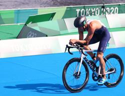 Olympics-Triathlon-'Tell me that you believe in me': U.S. silver clinched through faith