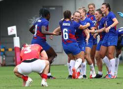 Olympics-Rugby-France and New Zealand through to gold medal match