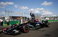 Motor racing-Hamilton on pole in Hungary