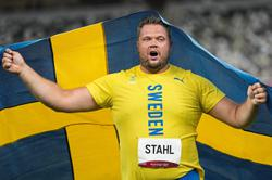Sweden's Stahl bags discus gold