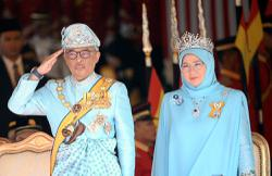 King and Queen convey Warriors Day greetings