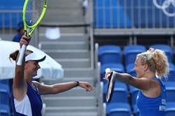 Olympics-Tennis-Top-seeded Czech team win women's doubles gold over Swiss pair
