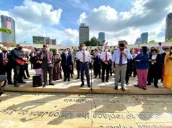 Opposition MPs denied entry into Parliament, gather instead at Dataran Merdeka