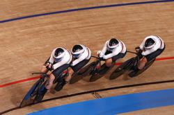 Olympics-Cycling-Germany smash women's team pursuit world record