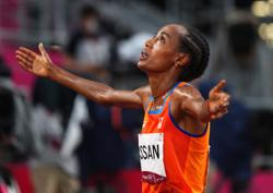 Olympics-Athletics-Hassan bags first gold, Kenya's steeplechase run ends