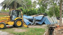 MBSJ tears down illegal stalls in joint operation with police