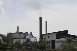 GLOBAL ECONOMY-Resilient factories battling with delays, rising costs