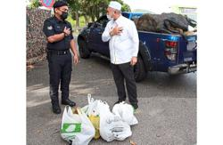 Free durians for the brave frontliners in Ipoh