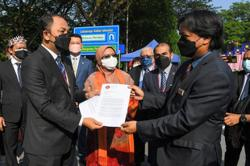 Senators hand over memorandum urging for Parliament to resume