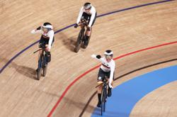 Olympics-Cycling-Peerless Germany dethrone Britain to win women's team pursuit