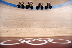 Olympics-Cycling-Germany and Britain set up team pursuit gold duel with world records