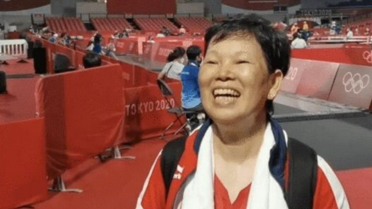 Tokyo Olympics: A 58-year-old table tennis player is finding online fame as the 'Shanghai auntie'