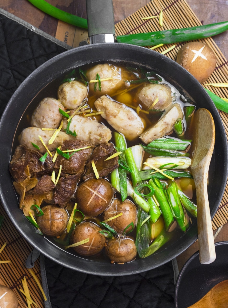 Mushrooms are a real sponge when it comes to umami, here for example in a vegan version of a Japanese meat soup. — dpa