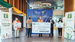 Four institutions get RM690,000 in aid