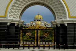 AG Idrus Harun arrives at Istana Negara