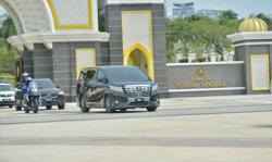 Muhyiddin leaves Istana Negara after audience with King